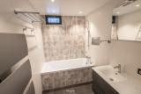 BRUN Chalet Cosy @Birrien salle de bain bis WEB